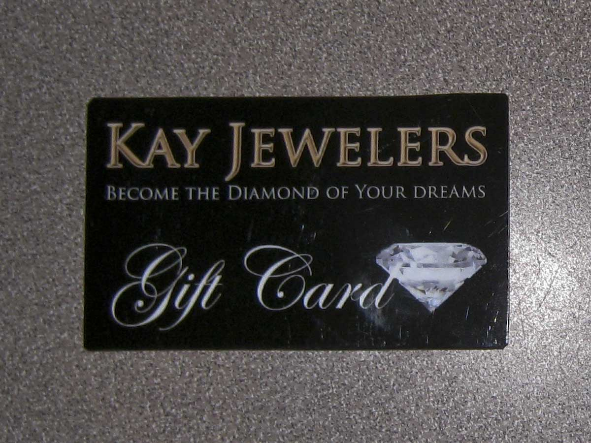 Credit Questions At Kay Jewelers, we believe in putting our customers first. Our goal is to ensure your complete satisfaction regarding your Kay credit questions. As we strive to continuously improve our service to you, we have credit partnerships with Comenity Bank and Genesis Financial Services to handle your financing needs.